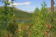 Фото 33. Вид с тропы на озеро Илогирь