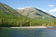Фото 36. Галечные острова и перекаты. Впереди распадок Чукокита