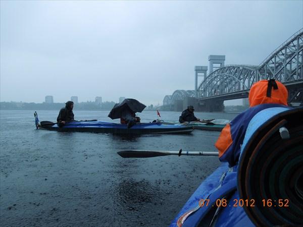 Дальше пять часов шёл холодный дождь