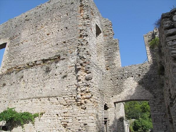 Остатки Римского дворца в Polace