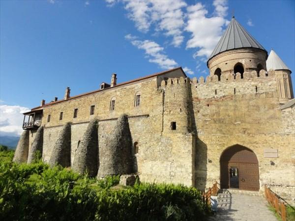 Действующий мужской монастырь Алаверди.