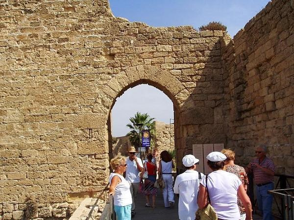 026-Кесария-ворота