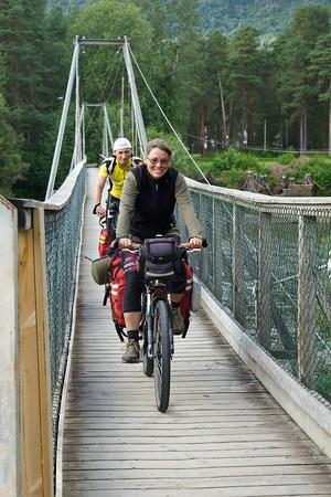 Пешеходный мост в Воссе.
