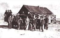 Фото 1. Строительство ферм (кашаров) для овец (1950 г.)
