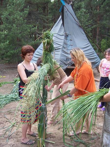 Поготовка к празднику Ивана Купалы