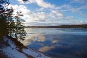 Волга под пленкой льда