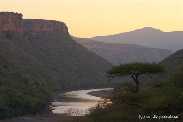 на фото: Голубой Нил по дороге из Адис-Абебы в Бахр-Дар