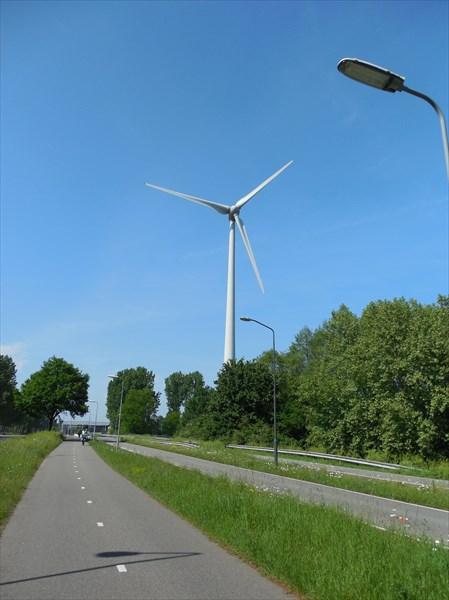 Типичная голландская велодорожка