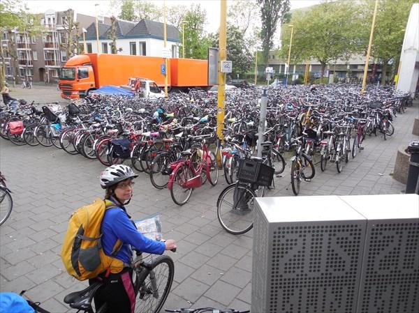 Велопарковка в Гауде
