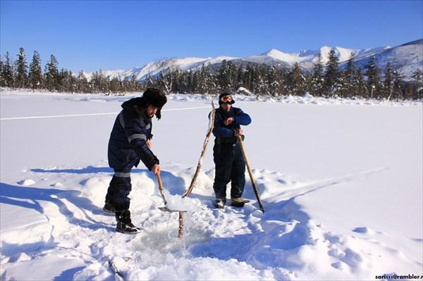 Добываем голубой лёд