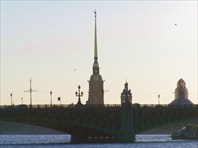 Вид на Неву-город Санкт-Петербург