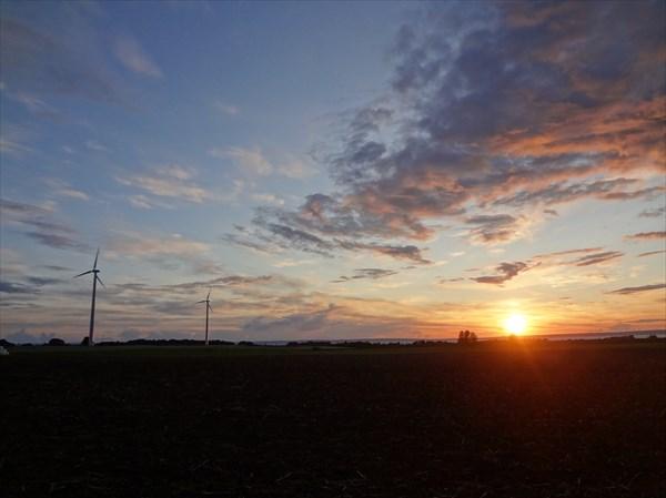 на фото: Ветряки у Веттерна