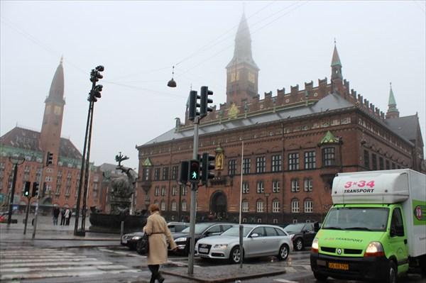на фото: Здание Ратуши, Копенгаген