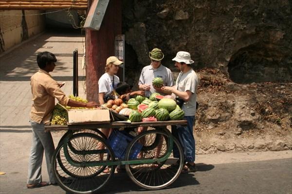 покупаем арбузы