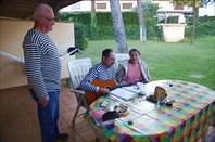 Вечером  распевали  песни под  гитару на терассе.....