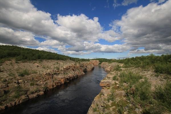 Канал ГЭС.. а может и река такая