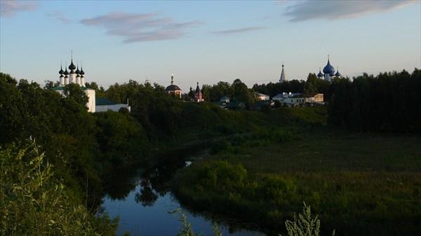 На обзорной площадке у Спасо-Евфимиева монастыря