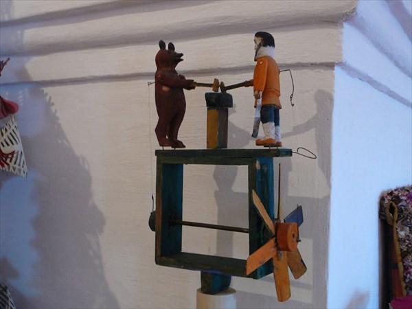 Из музея игрушек
