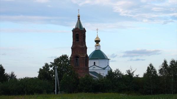 Одна из местный церквей