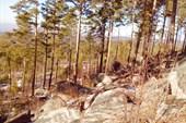 Каменные россыпи на южных склонах