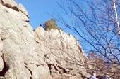 30-метровая скала, удобная для скалолазания