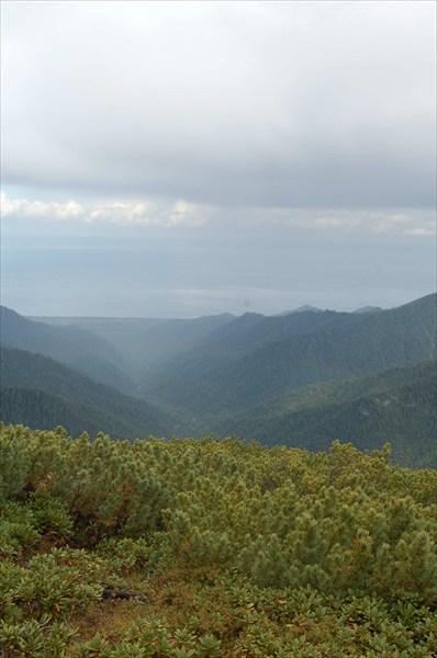 Вид с Осиновского гольца на Байкал