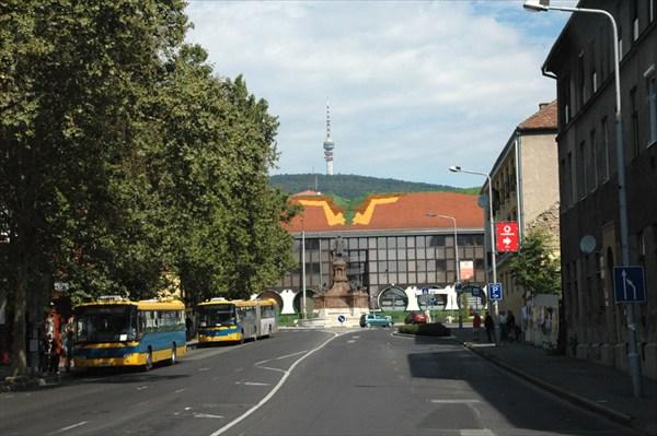 Печ.Улица и гора Мечек