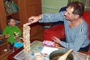 С дедушкой строили башни