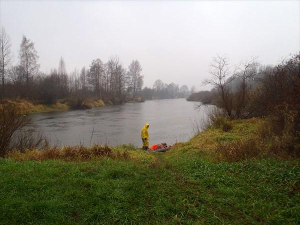 Вид со стоянки на реку.