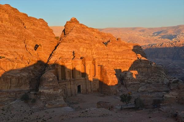 Монастырь в горах