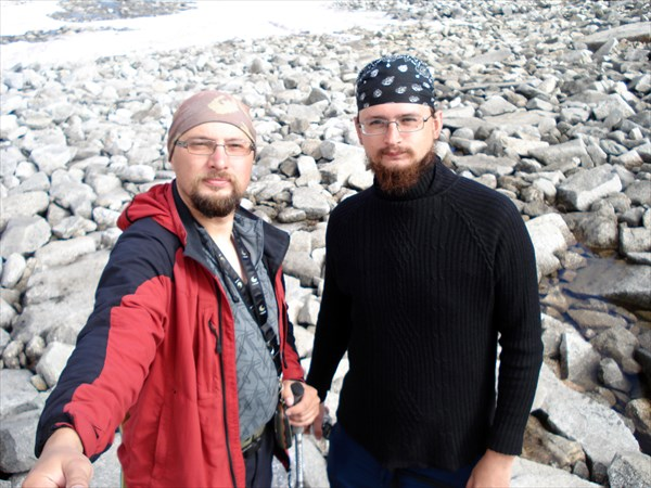 Серёга и Серёга (я, то бишь автор, слева)