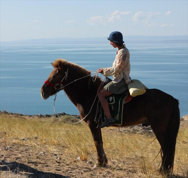 Я верхом на монгольской лошади)