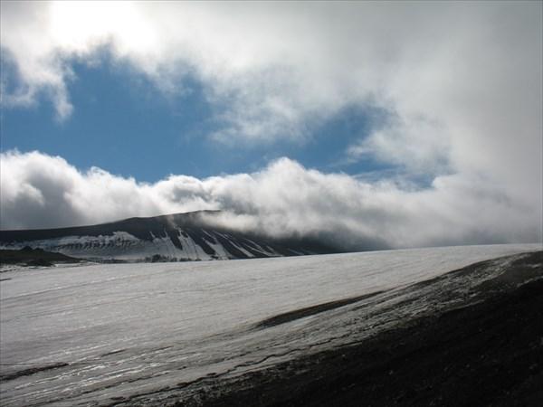 В облаке - гора Trollsneinen