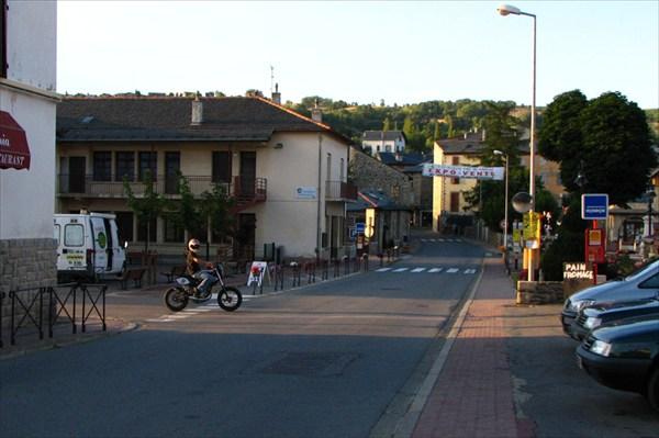 Андоррская деревушка по дороге к границе с Францией