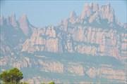 `Сталагмитовые` горы по дороге из Барселоны в Андорру