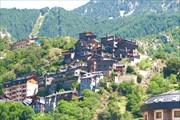 Андорра-ла-Велья. Типичные дома на склонах гор
