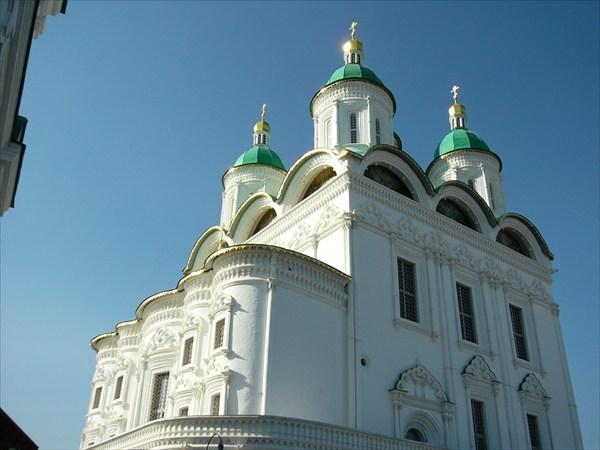 Храм на территории кремля