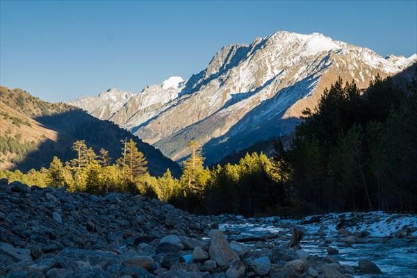 Долина реки Донгузорун на закате