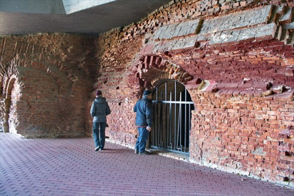 Брестская крепость - Герой