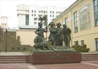Памятник-Памятник основателям крепости св. Дмитрия Ростовского