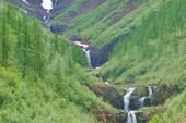Каскад водопадов на притоке Геологической