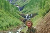 Фотопортрет на фоне водопадов