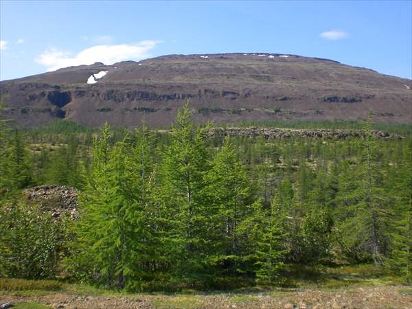 Склоны плато над берегом Аяна
