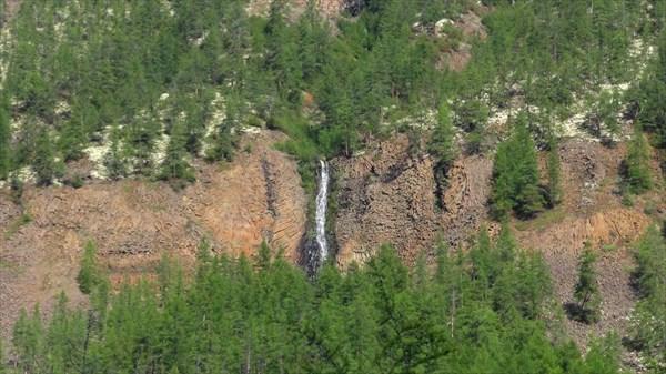 Один из многочисленных водопадиков на Иркингде