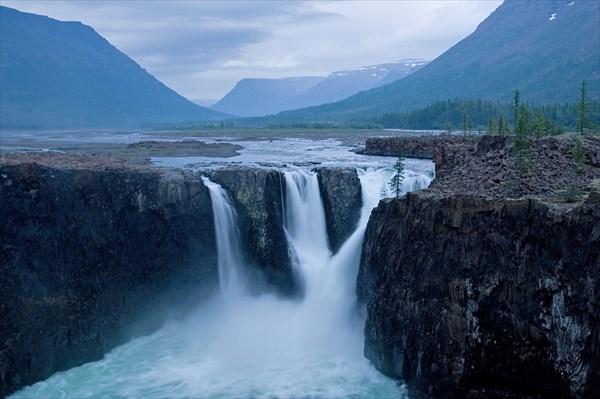 Большой Иркингдский водопад