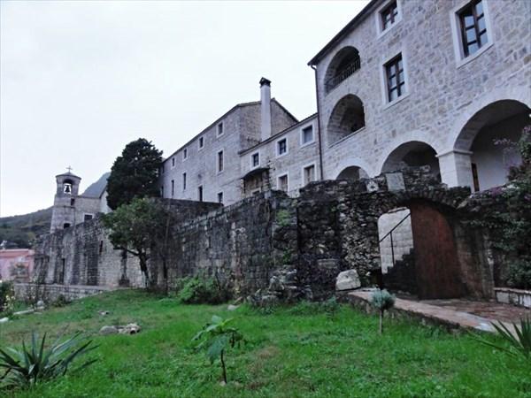 Монастырь Подострог.