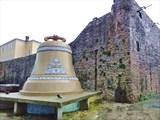 Инсталляция «Старый колокол и якорь»