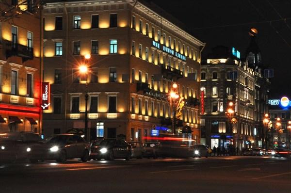 Невский ночью