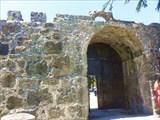 Крепость Гонио, ворота