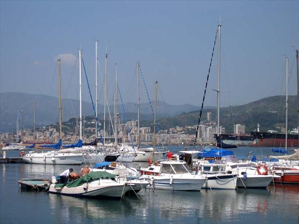Яхт-клуб в Генуе.
